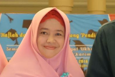 Yuyun Yuliani Syam, S.Pd